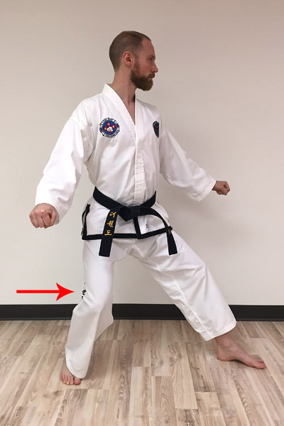 L-stance mistake: knee collapsing inward.