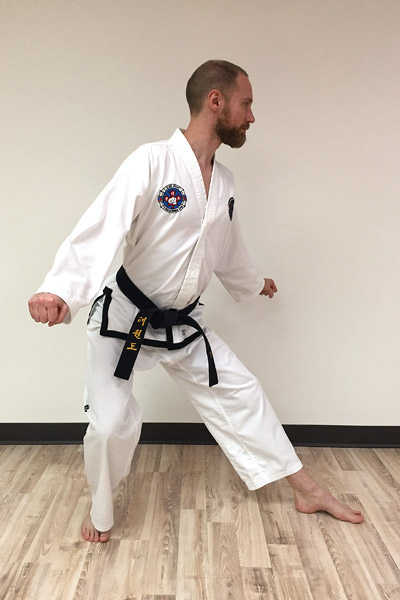 L-stance mistake - pushing hips back